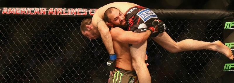 Каратист против борца. Лучшие моменты UFC Fight Night 82