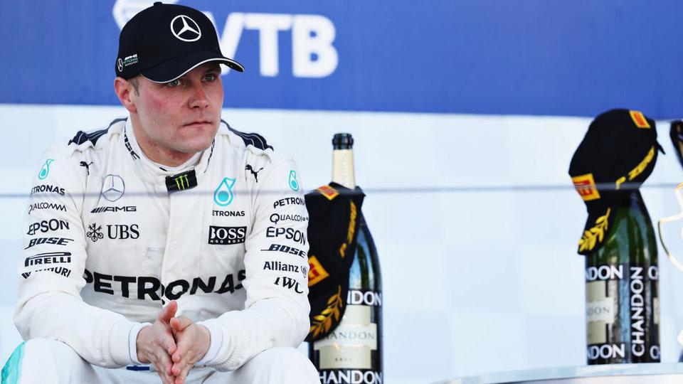Боттас стартует с первого места в Австрии, Квят не прошел в 3-й сегмент