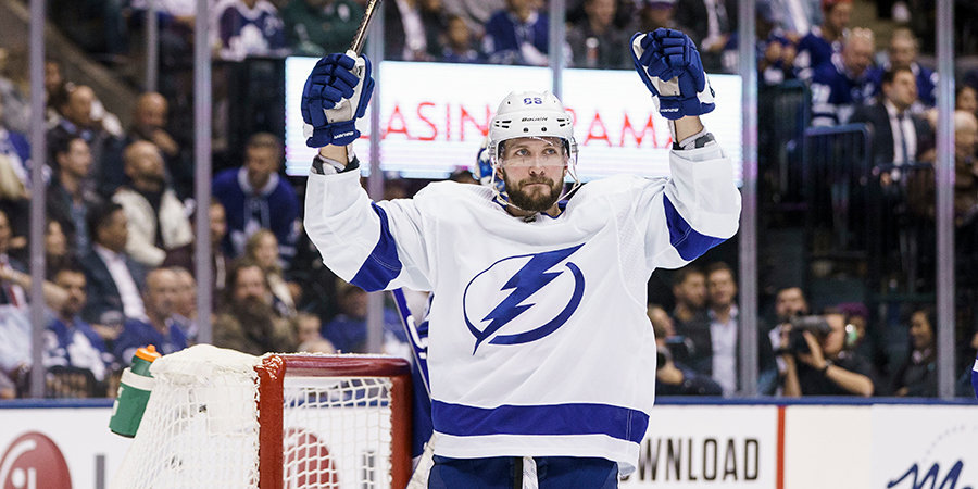 Кучеров все решил в овертайме, а Гусев получил нового тренера. Три главных события НХЛ