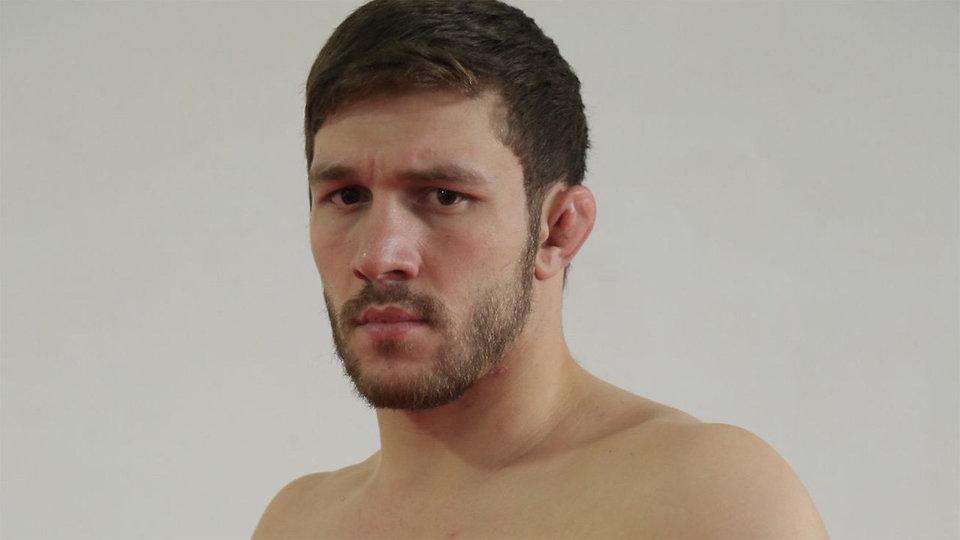 «Я знал, что дерусь с жестким русским». Морага за полторы минуты нокаутировал Бибулатова в UFC