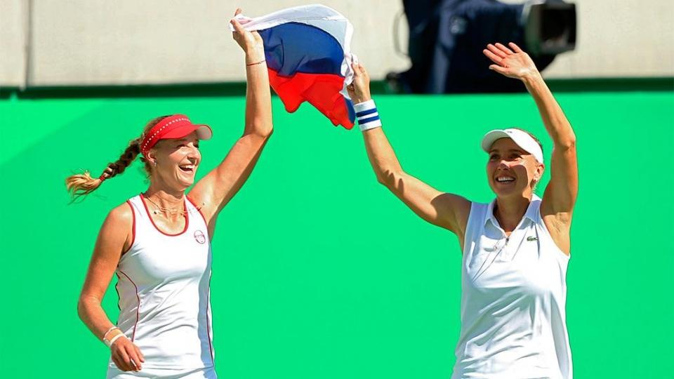 Макарова и Веснина выиграли турнир в Мадриде