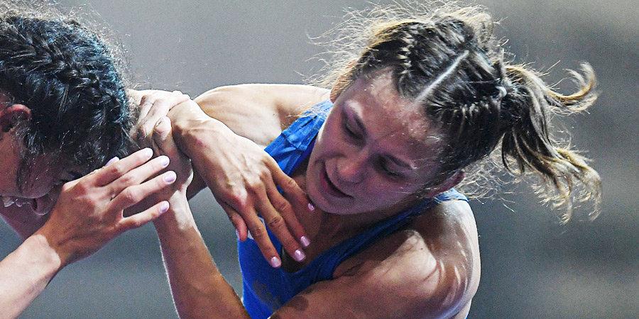 Хорошавцева проиграла в 1/8 финала олимпийского турнира по вольной борьбе в весе до 53 кг