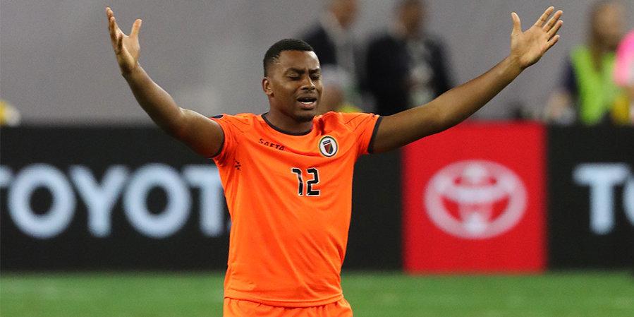 Вратарь сборной Гаити забил автогол, дважды промахнувшись по мячу