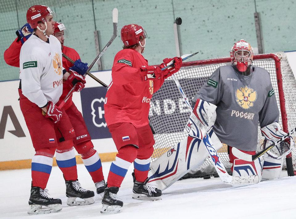Семь хоккеистов приняли участие вутренней раскатке сборной Российской Федерации