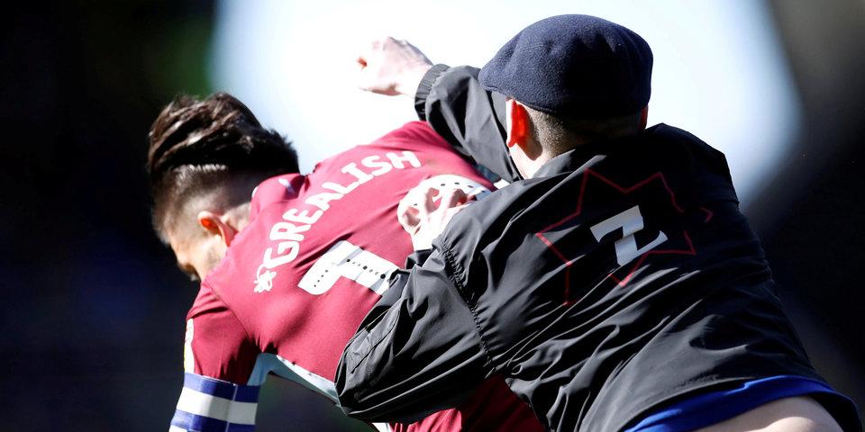 Три нападения за выходные. Английская полиция все больше боится за безопасность игроков