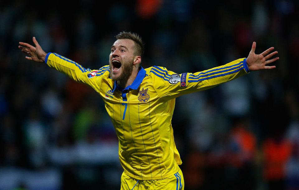Украинский футболист будет болеть за Макгрегора, но предсказывает победу Нурмагомедова