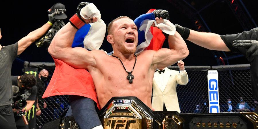 «Флаг где? Где флаг!?» Как Петр Ян взял пояс UFC и обозвал олимпийского чемпиона