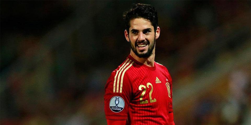 Иско признан лучшим игроком матча Испания — Марокко