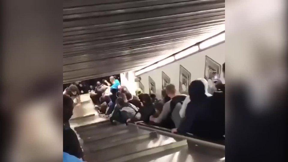 Мэр Рима: «Свидетели видели прыжки и танцы на эскалаторе. Расследование уже открыто»