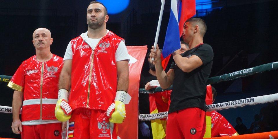 «Буду болеть за Усика». Мурат Гассиев роняет соперника и говорит про супертяжелый вес и группу Miyagi & Эндшпиль