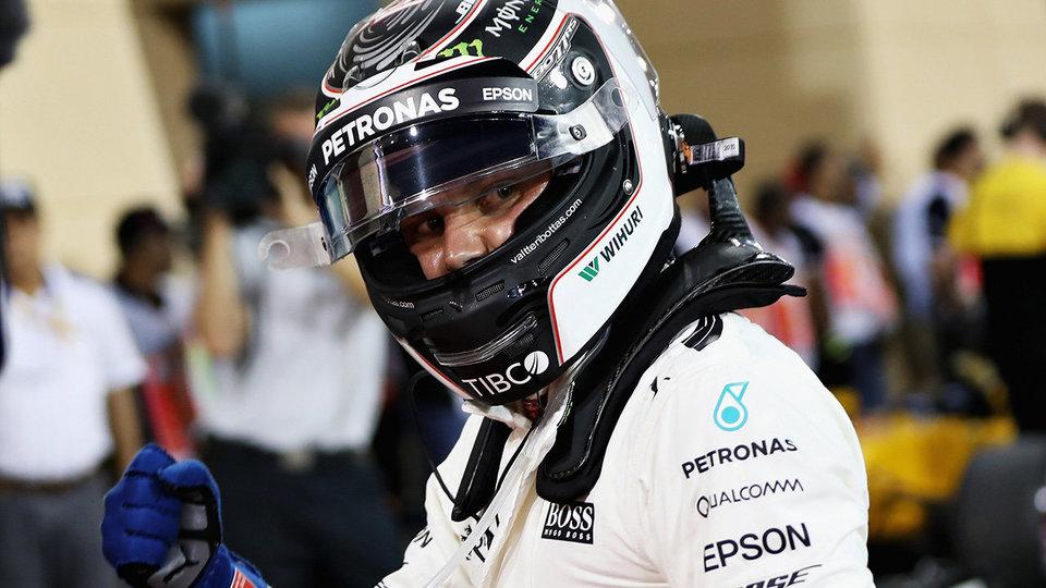 Боттас стал лучшим по итогам второго дня тестов в Бахрейне, Сироткин проехал 90 кругов