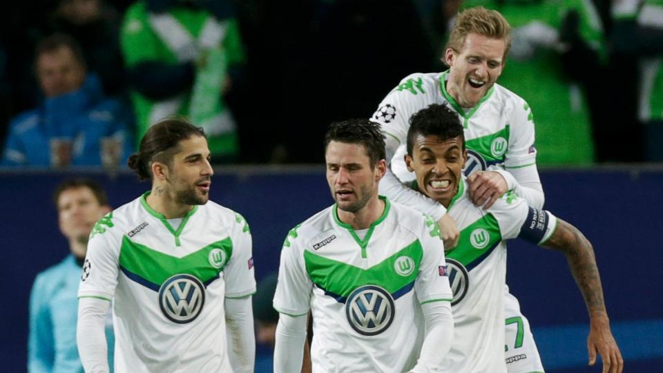 «Вольфсбург» может потерять четверть бюджета и Густаво в следующем сезоне