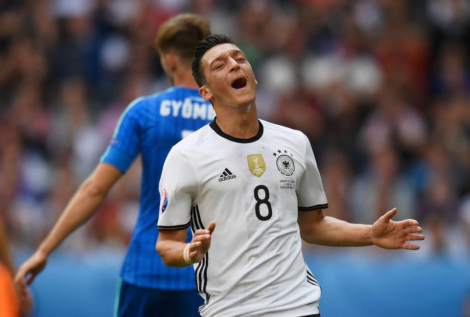 Альберт Риера: «Озил – слабое звено в составе сборной Германии»