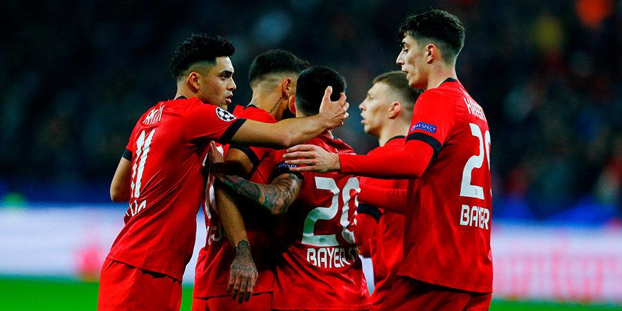 Дубль Аларио принес «Байеру» победу над «Шальке» в матче Бундеслиге