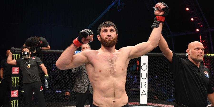 Бой Анкалаева и Крылова состоится на турнире UFC 27 февраля