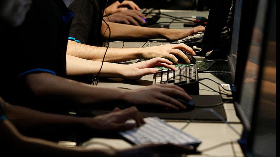 Студенты Новосибирского университета получили 975 тысяч рублей за победу на киберспортивном турнире