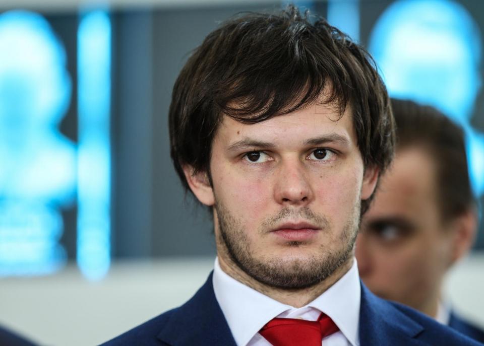 Дадонов забил гол, а Киселевич набрал первое очко в НХЛ
