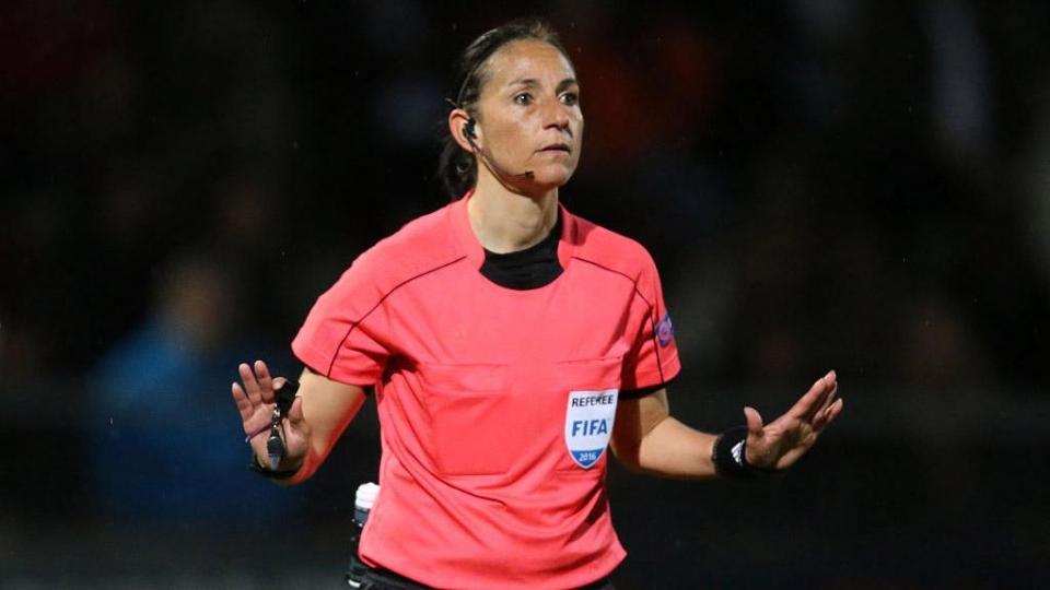 УЕФА опробует четвертую замену на женском ЧЕ-2017