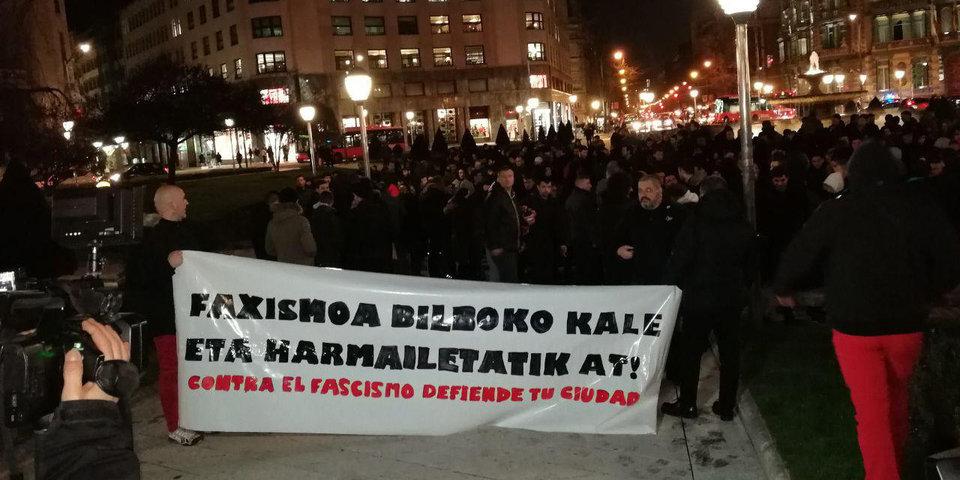 Митинг против спартаковцев в Бильбао чуть не перерос в драку. Сегодня надо быть очень осторожными