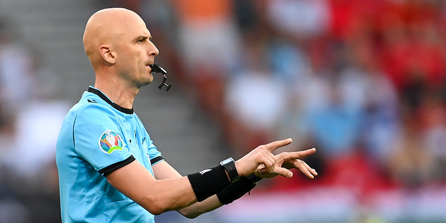 Арбитр Карасёв будет работать на матче между Чехией и Данией
