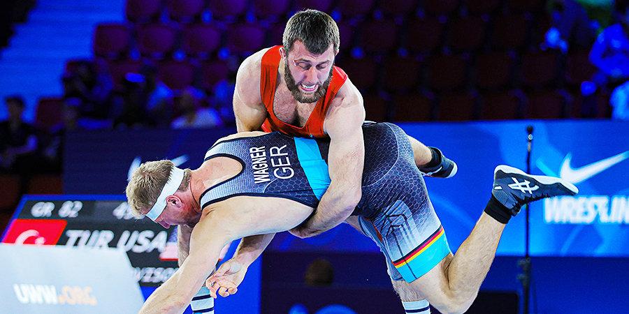 Борец Акиев стал бронзовым призером чемпионата мира