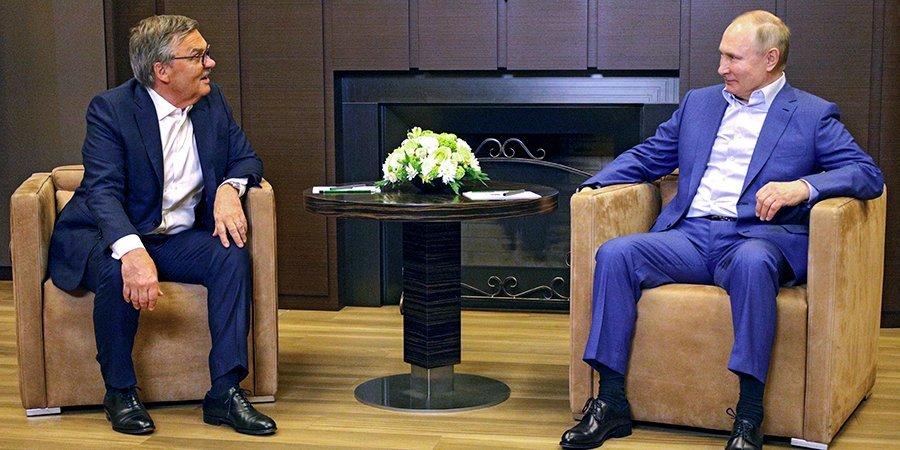 Путин по-немецки обсудил с главой ИИХФ будущий чемпионат мира по хоккею в Петербурге