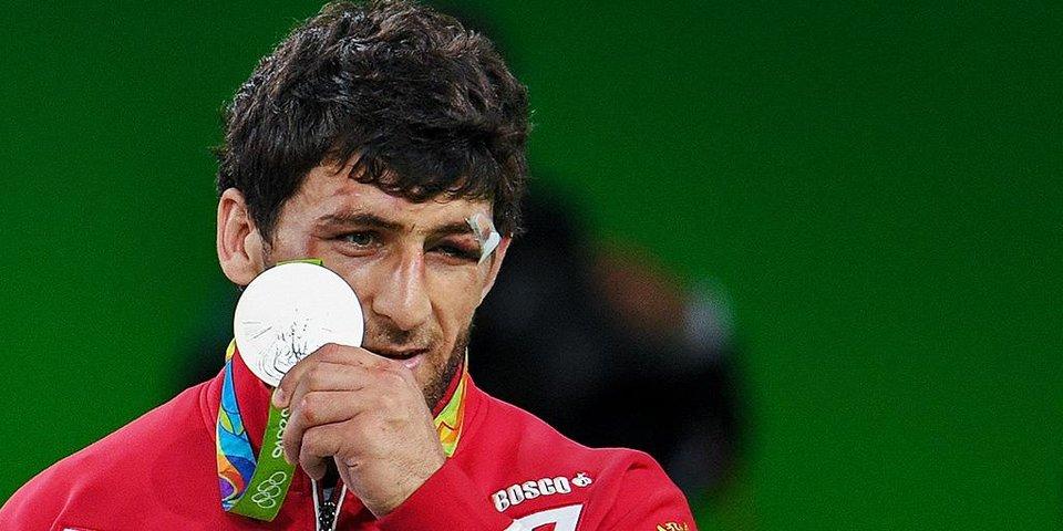 «Знал, что кровь сразу пойдет». Как Аниуар Гедуев остался без олимпийского золота