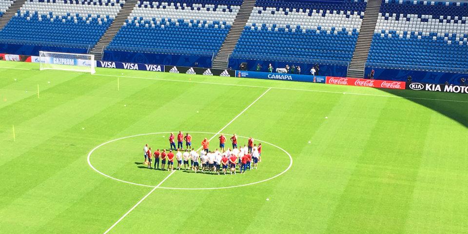 Сборная России проводит тренировку в Самаре перед игрой с уругвайцами