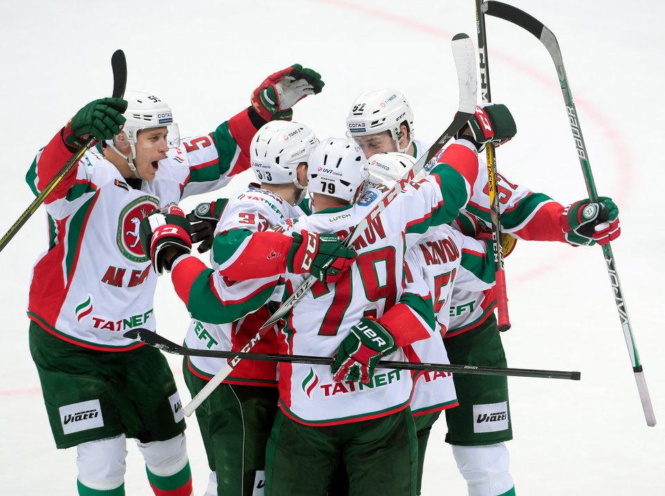 «Трактор» и«Металлург» проиграли втретьих матчах серии плей-офф Кубка Гагарина