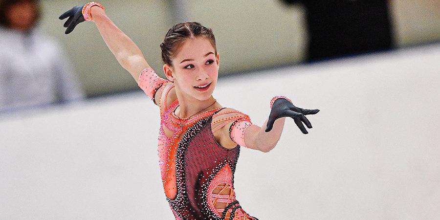 13-летняя Акатьева чисто исполнила четверной сальхов на тренировке группы Тутберидзе (видео)