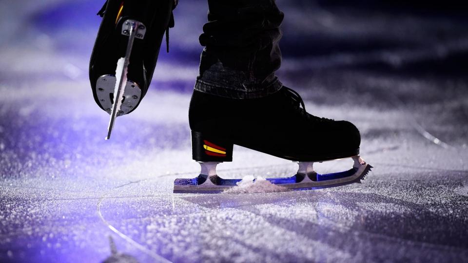 Юниор Серов получил травму на этапе КР в Сызрани, он покинул лед на носилках