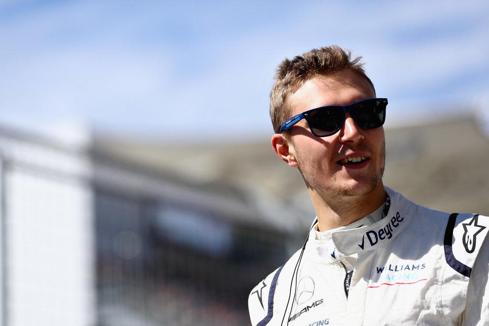 Сироткин стал гонщиком года по версии читателей Sky Sports, однако журналисты поставили Хэмилтона на первое место