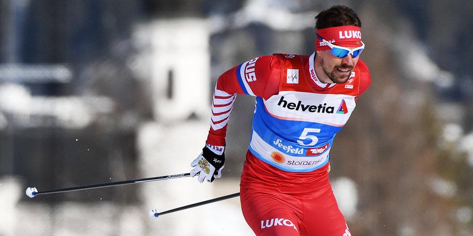 «Рад, что выиграл, потому что сюда приехала моя мама». Устюгов — о победе на этапе «Тур де Ски»