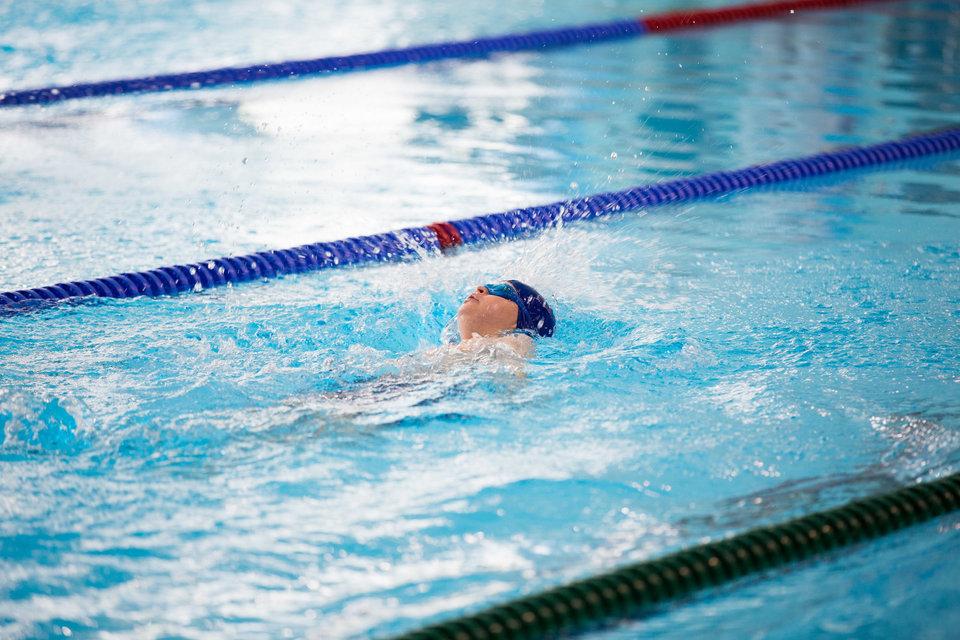 12-летняя китаянка стала чемпионом страны по плаванию и может выступить на ОИ-2020