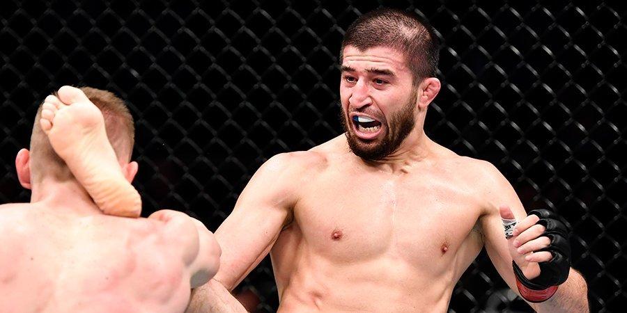 Выиграл 10 боев и ушел из UFC — почему? Все россияне в UFC — полная статистика побед и поражений