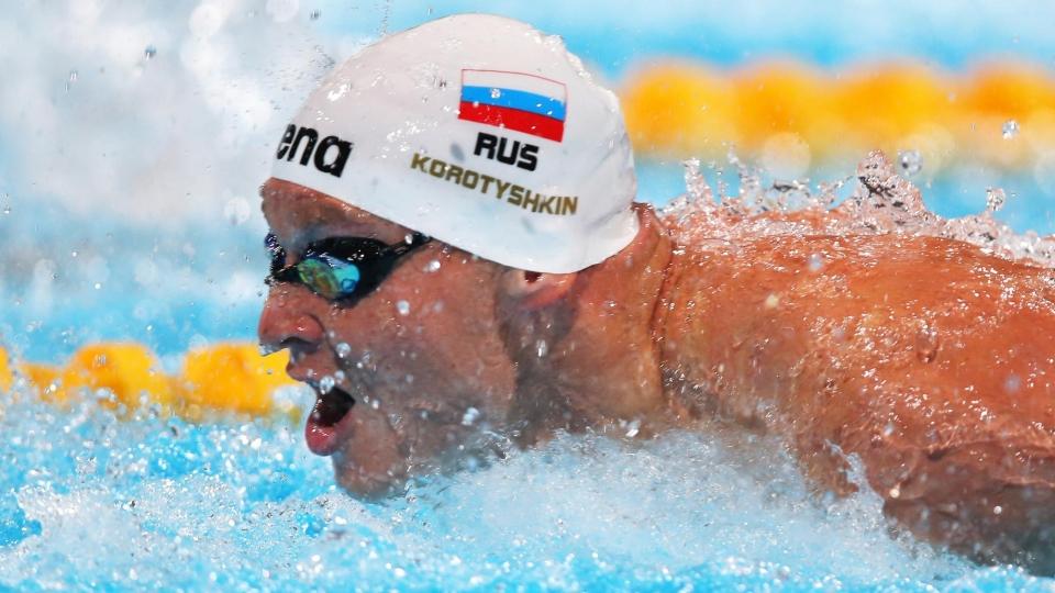Евгений Коротышкин: «В комнате ожидания все американские пловцы пшикают в легкие препараты от астмы»