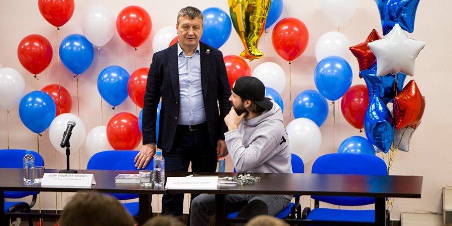«Матч ТВ» узнал подробности недопуска команды Курдина, воспитавшего Кучерова, к первенству Москвы