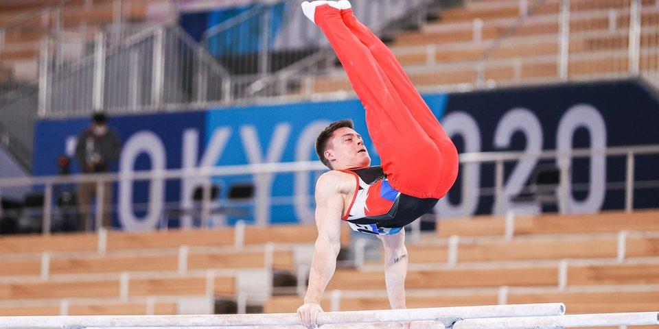 Российские гимнасты продолжают лидировать в командном многоборье после четырех снарядов