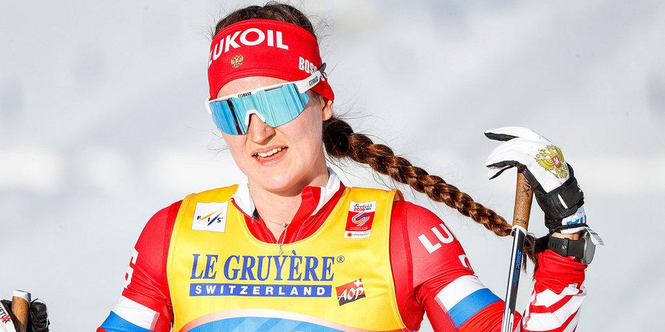 Белорукова показала видео, на котором пытается опередить призера «Тур де Ски»