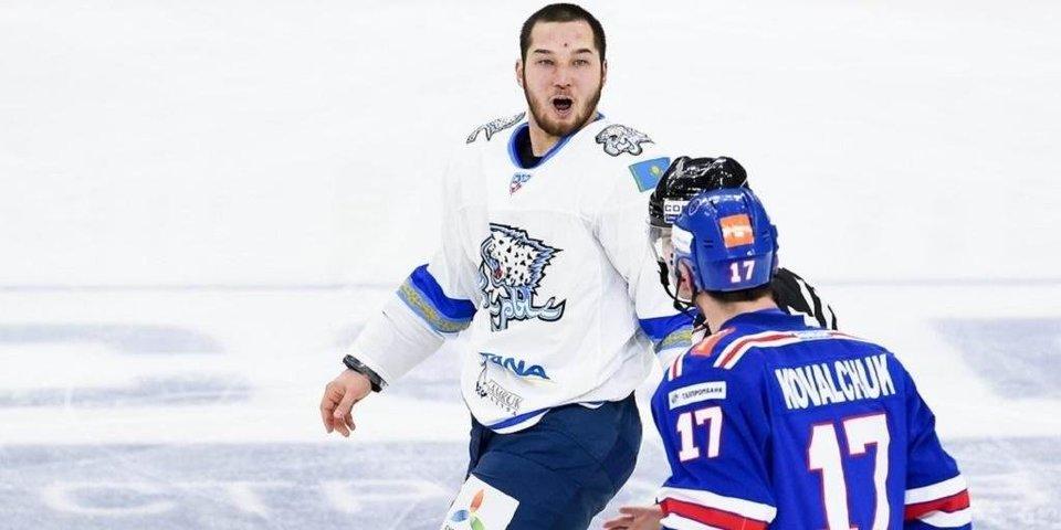 Хоккейному тафгаю Рыспаеву предложили бой в ММА. Что происходит?