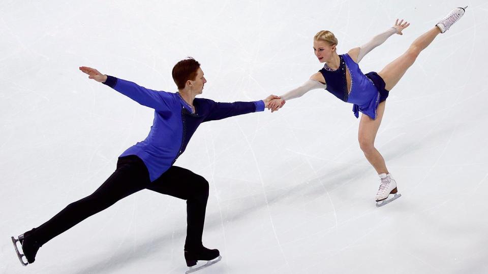 Тарасова и Морозов выиграли первую медаль чемпионата мира для России