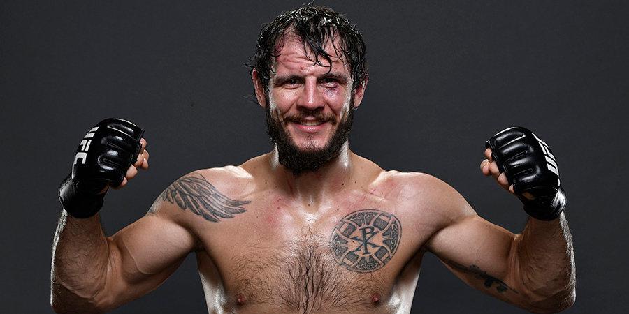 Боец из России заборол восходящую звезду MMA на турнире без зрителей. Россияне в UFC — полная статистика побед и поражений