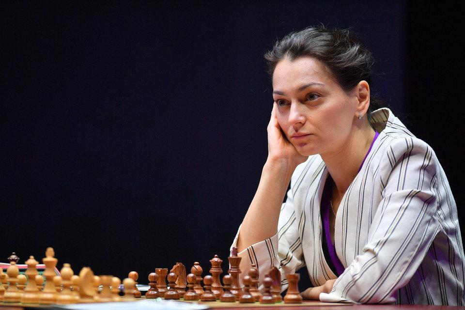 Костенюк проиграла в Суперфинале Гран-при по скоростным шахматам