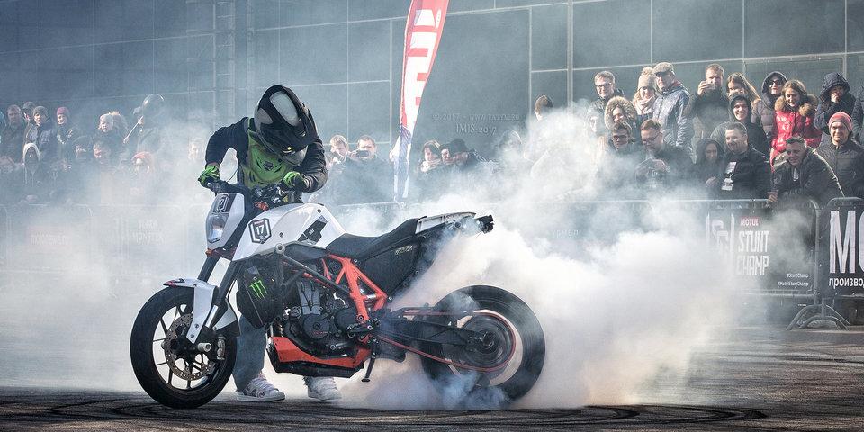 Экстремальное шоу Motul Stunt Champ - на фестивале Moscow City Games