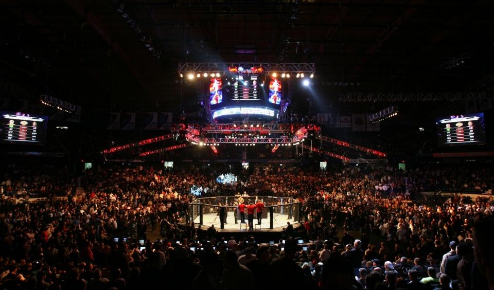 Понзинибио за полторы минуты нокаутировал Нельсона на турнире UFC в Глазго