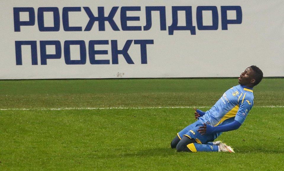 «Ростов» подтвердил переход Думбия в «Реймс»