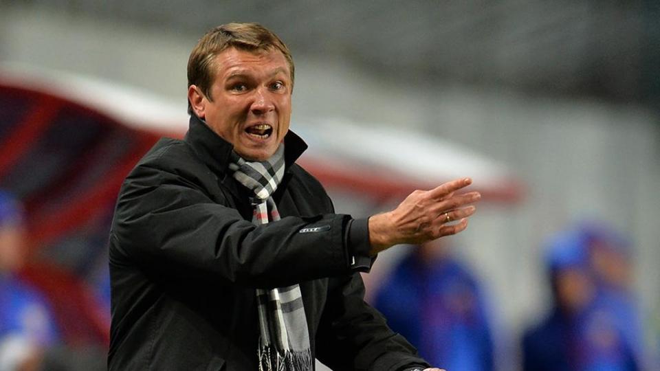 Тренер проигравшего «Енисею» «Тамбова» устроил перепалку с корреспондентами