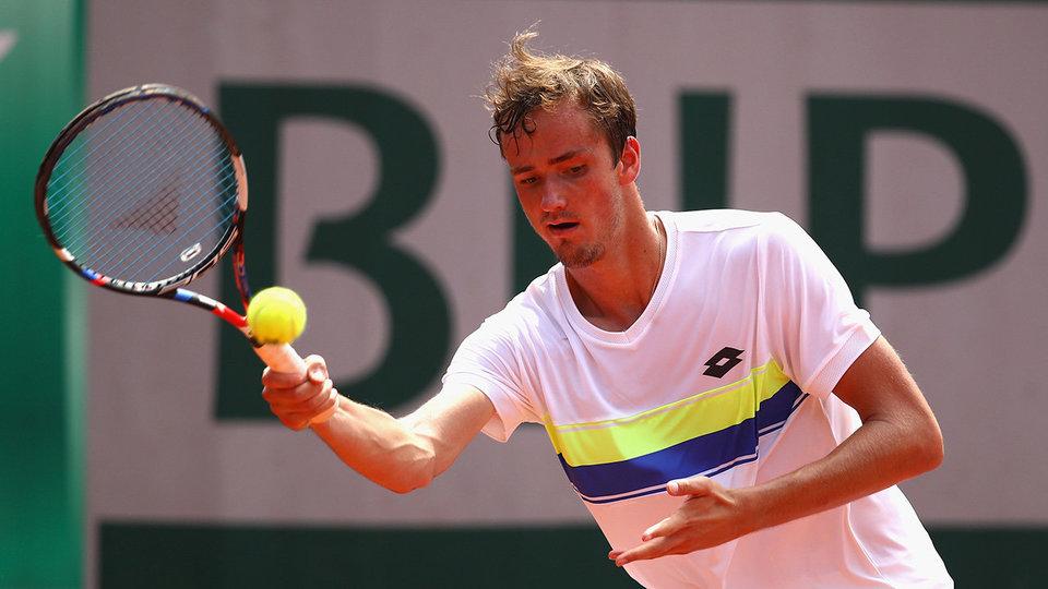 Медведев переместился на восемь строчек в чемпионской гонке ATP