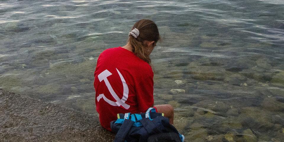 На ЧМ в Будапеште болельщика не пустили на трибуну в футболке СССР