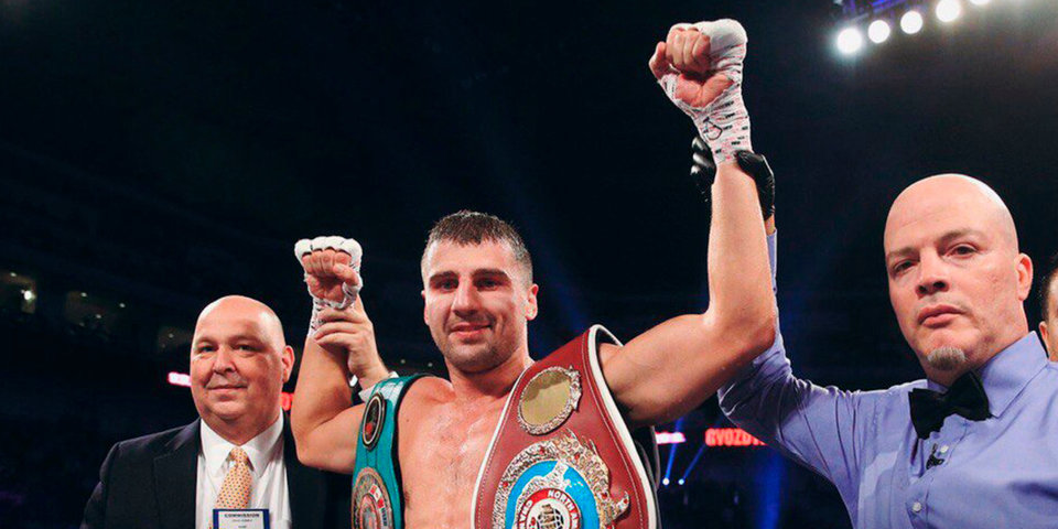 Украинец Гвоздик победил Бейкера техническим нокаутом